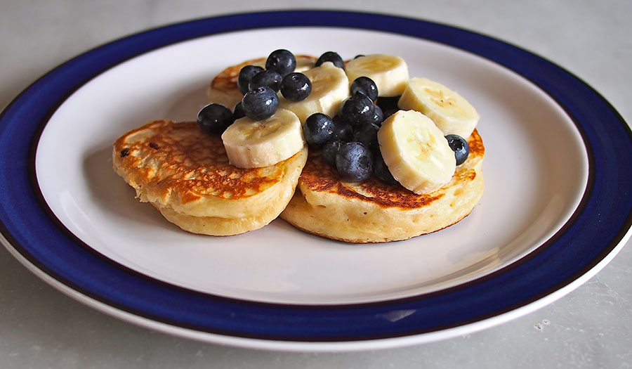 Vanilla Yogurt Pancakes | the Worktop