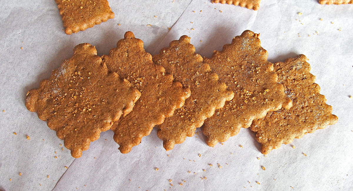 Graham Crackers with Buckwheat Flour (Gluten Free) | the Worktop