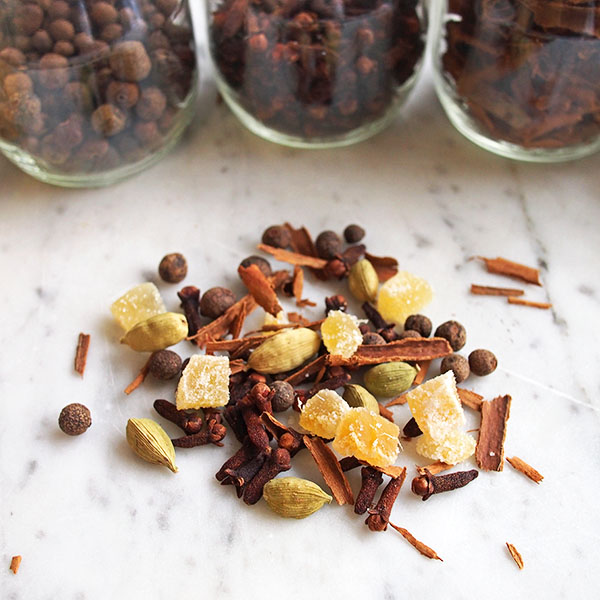 Homemade Mulling Spices | the Worktop