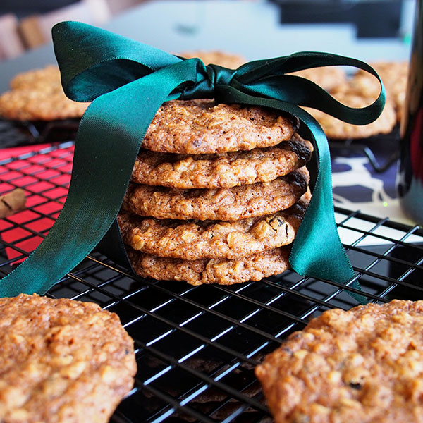 Orange Currant Oat Cookie | the Worktop