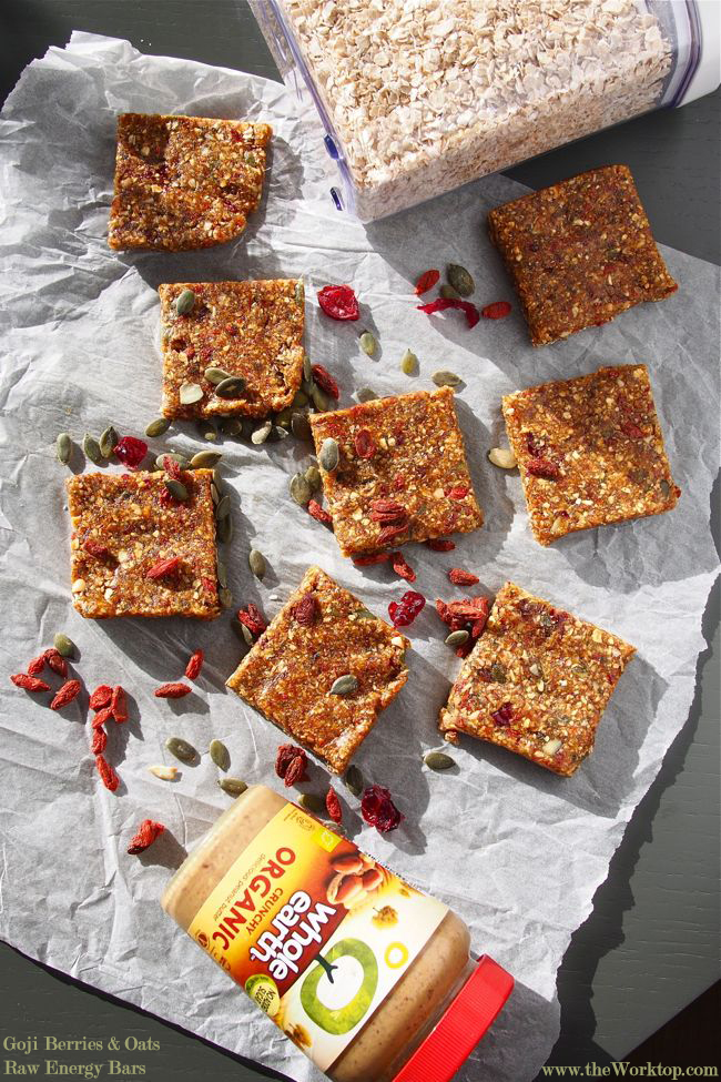 Raw Vegan Energy Bars with Goji Berries and Oats | The Worktop