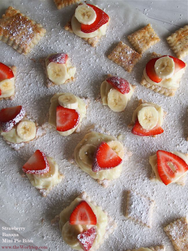 Strawberry Banana Mini Pie BItes | the Worktop