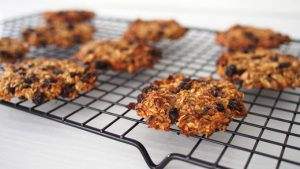 Banana Oatmeal Cookie - a Healthy Breakfast Cookie | The Worktop