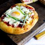 Individual Breakfast Pizzas - Treats and Eats