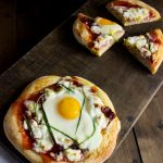 Individual Breakfast Pizzas - Treats and Eats