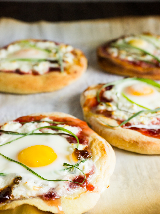 Individual Breakfast Pizza - Treats and Eats