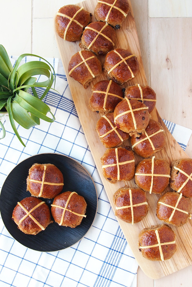 Spelt Hot Cross Buns | Easter Brunch Ideas