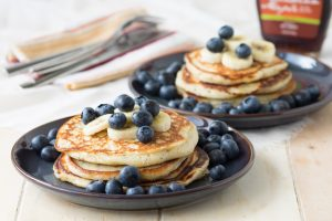 Vanilla Yogurt Pancakes with Poppy Seeds | The Worktop #breakfast #brunch #pancakes