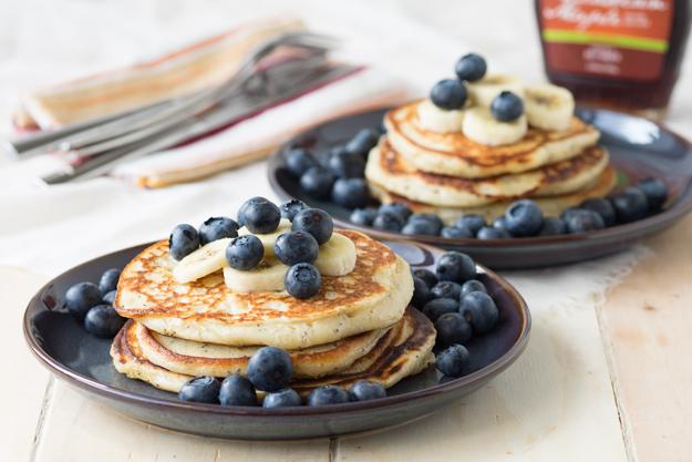 Vanilla Yogurt Pancakes with Poppy Seeds | The Worktop #breakfast #brunch #pancakes