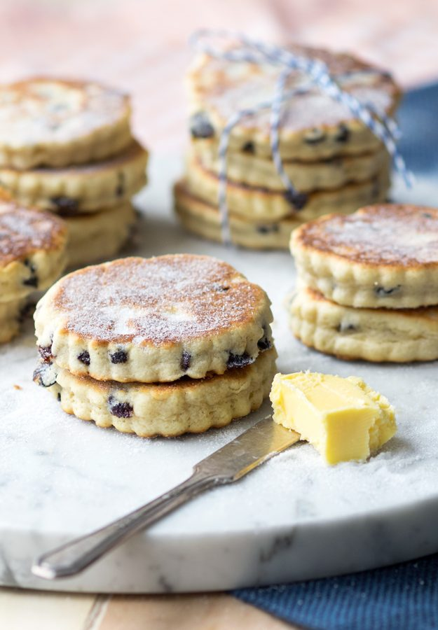 Enjoy Welsh Cakes with a cup of tea. Perfect for the morning or as an afternoon snack. These little pancakes are easy and quick to make on the griddle | The Worktop