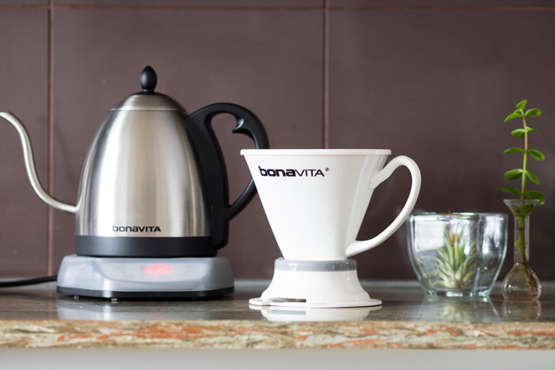 Product Review and Giveaway: Bonavita Immersion Dripper and Variable Temperature Gooseneck Kettle