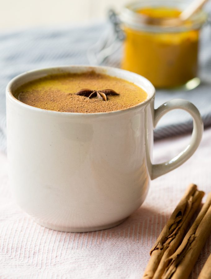 Golden Milk – Easy Turmeric Latte (Vegan, GF, Diary-Free)