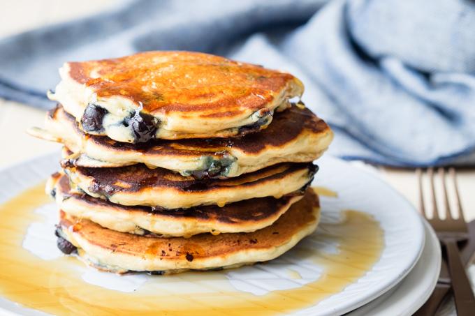 Blueberry Vegan Pancakes | The Worktop
