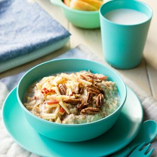 10 Healthy Porridge Toppings - Apple Pie | The Worktop