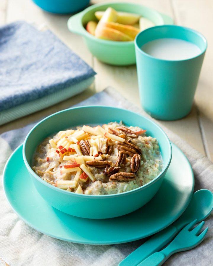 10 Healthy Porridge Toppings - Apple Pie | The Worktop