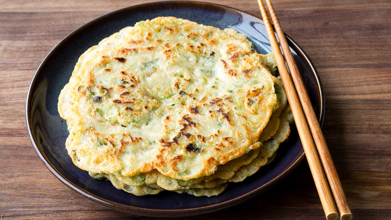 Quick Chinese Scallion Pancakes No Kneading The Worktop