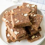 No Bake Chocolate Oat Bars for Breakfast | The Worktop
