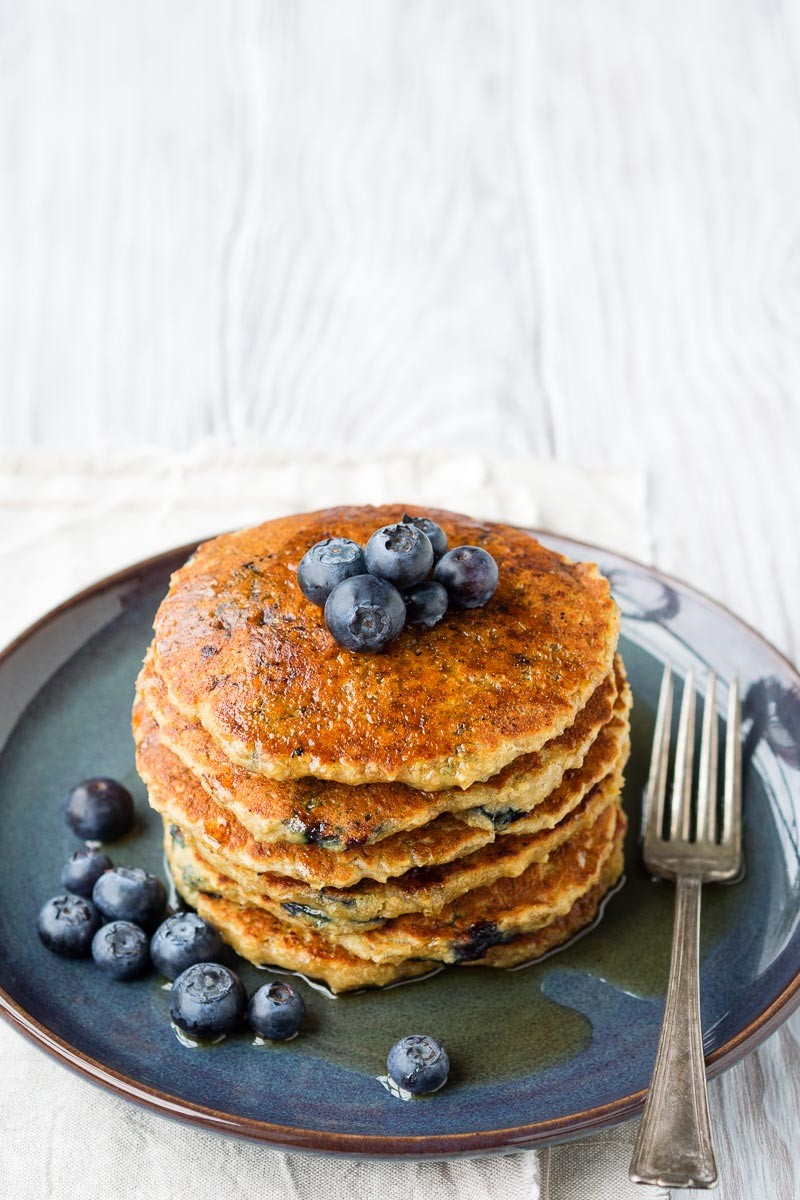 Simple Vegan Pancakes with Oatmeal and Blueberries | The Worktop