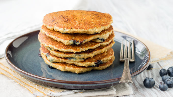 Vegan Oatmeal Pancakes Stack | The Worktop