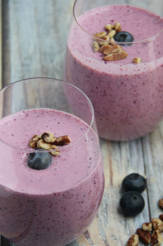 Fruit and Nut Oatmeal Smoothie | Fruit Smoothies for Breakfast | The Worktop
