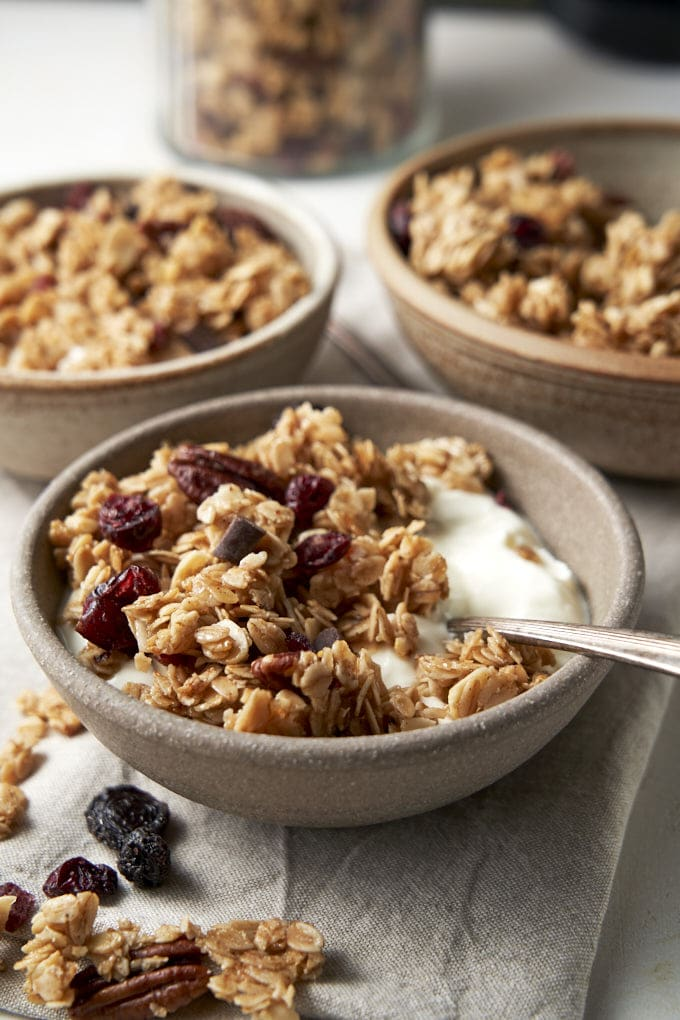 Oats and Honey Granola - breakfast bowl | The Worktop