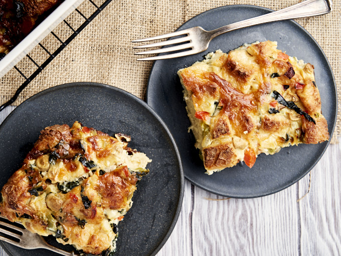 Vegetarian Breakfast Casserole - 2 plates with the casserole to serve | The Worktop