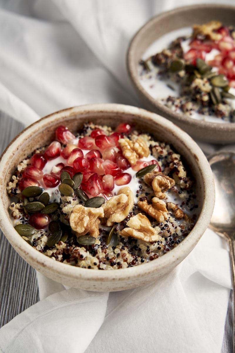 Quinoa Breakfast Bowl - Bowl of porridge made with quinoa | The Worktop