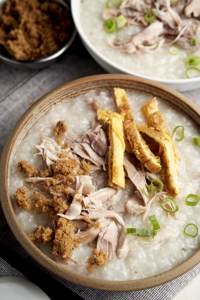 Slow Cooker Congee with Chicken - served for breakfast | The Worktop